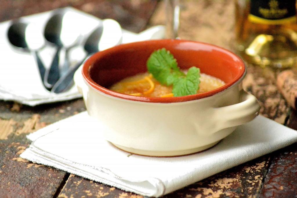 Smuk cremefarvet ildfast skål